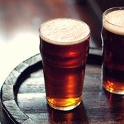 Tại Canada, có lúc một thùng dầu còn rẻ hơn một cốc bia ngon