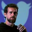 """<p class=""""Normal""""> <strong>5.<span> </span>Twitter</strong></p> <p class=""""Normal""""> Twitter bắt đầu như một dự án phụ của một công ty.<span>Năm 2005, Jack Dorsey, nhà sáng lập của Twitter bắt đầu công việc lập trình tại Odeo, một nền tảng cho podcast. Một năm sau, công ty phát triển chậm lại sau khi Apple cho phép podcast trên iTunes. Để giải quyết khó khăn, Giám đốc điều hành Odeo Evan Williams đã tổ chức một cuộc thi hackathon (cuộc thi phát triển phần mềm). Trong đó, Dorsey đã tạo ra twittr - một trang web nơi mọi người có thể cập nhật trạng thái giống AIM (một chương trình nhắn tin nhanh có quảng cáo). Dorsey tiếp tục làm việc với twittr như một dự án phụ tại Odeo cho đến khi nó được chính thức ra mắt vào tháng 7 năm 2006 và đổi tên thành Twitter. Một năm sau, Twitter trở thành công ty riêng và Dorsey đảm nhiệm vị trí CEO.</span></p> <p class=""""Normal""""> Twitter đã trở thành một trong những nền tảng truyền thông xã hội phổ biến nhất, với 152 triệu người dùng hoạt động hàng ngày trong những tháng cuối năm 2019. (Ảnh: <em>Reuters</em>)</p>"""