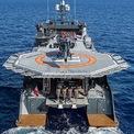 <p> Nhiều người giàu có chọn phương án tự cách ly bằng những chuyến đi đến các vùng đảo xa trên du thuyền. Do đó, họ luôn cần những nhân viên y tế để hỗ trợ cho các tình huống khẩn cấp, nguy hiểm. <em>Ảnh: Clint Jenkins</em></p>