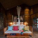 <p> Ý tưởng hình thức kiến trúc là mái nhà truyền thống, mái tranh được hỗ trợ bởi hệ thống sắt sơn. Bức tường là các vòm nhịp nhàng và tượng đá tự nhiên.</p>