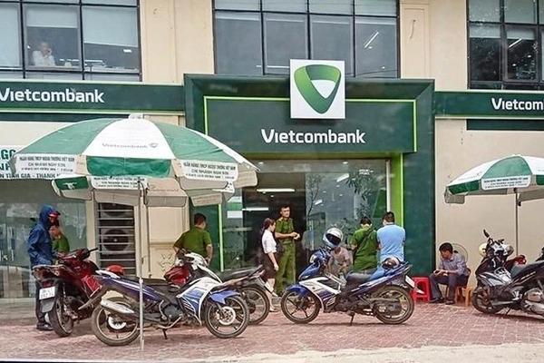 Bắt đối tượng cướp 200 triệu tại Vietcombank Chu Lai
