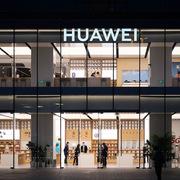 Mỹ có thể nhận 'hồi mã thương' với lệnh trừng phạt mới lên Huawei