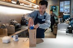 Giới startup đón 'cú sốc' mới: Chuỗi cà phê 'nổ' sắp vượt Starbucks lừa nhà đầu tư, ngụy tạo tới 40% doanh thu năm 2019