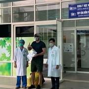 Ngày 4/4: Thêm 3 người nhiễm Covid-19, 5 người xuất viện