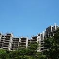 <p> Tổng mức đầu tư ban đầu của Kenton Node khoảng 300 triệu USD, tương ứng 5.400 tỷ đồng. Với quy mô hơn 1.600 căn hộ, 9 tòa nhà, 16 tòa tháp, dự án hiện tại đang bỏ dở ở nhiều hạng mục.</p>