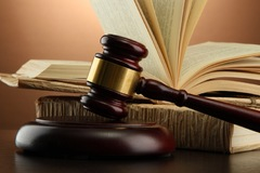 Thêm nhiều cá nhân bị UBCKNN xử phạt do vi phạm quy định CBTT