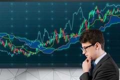 Dòng tiền vào mạnh, 18/30 cổ phiếu trong rổ VN30 tăng trần