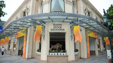 SHB giao dịch đột biến, thanh khoản tháng 3 của HNX tăng 71%