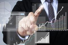 Nhận định thị trường ngày 8/4: 'Rung lắc và giằng co'