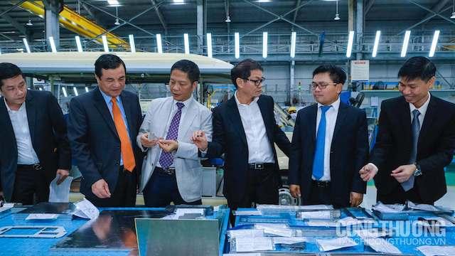 Đoàn công tác Bộ Công Thương thăm quan hoạt động sản xuất lắp ráp tại nhà máy Công ty Cổ phần Ô tô Trường Hải (THACO).