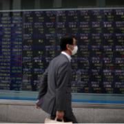 Nhật Bản bố tình trạng khẩn cấp với Covid-19, chứng khoán châu Á duy trì đà tăng