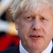 Thủ tướng Anh phải vào phòng chăm sóc tích cực