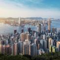 """<p class=""""Normal""""> <strong>2.<span> </span>Hong Kong (Trung Quốc)</strong></p> <p class=""""Normal""""> Số tỷ phú: 71</p> <p class=""""Normal""""> Tăng/giảm so với 2019: -8</p> <p class=""""Normal""""> Tổng tài sản: 321 tỷ USD</p> <p class=""""Normal""""> Người giàu nhất: Lee Shau Kee – 28,1 tỷ USD</p> <p class=""""Normal""""> Ảnh: <em>Getty Image</em></p>"""