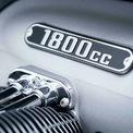 """<p class=""""Normal""""> Thiết kế của BMW R18 2020 màu đen được lấy cảm hứng từ người tiền nhiệm của nó - R5 - với khung ống thép hai vòng và tay đòn phía sau. Xe sử dụng hệ thống phanh đĩa đôi phía trước và đĩa đơn phía sau, với hỗ trợ ABS 2 kênh.</p>"""