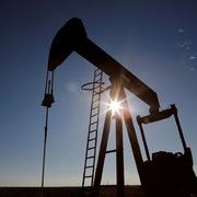 Giá dầu tăng 12% sau tin đồn Nga, Arab Saudi đạt thỏa thuận giảm sản lượng tới 20 triệu thùng/ngày