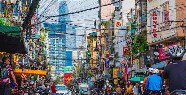Fitch dự báo Việt Nam tăng trưởng 3,3% năm nay