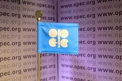 Kỳ vọng gì vào cuộc họp của OPEC+ ngày 9/4