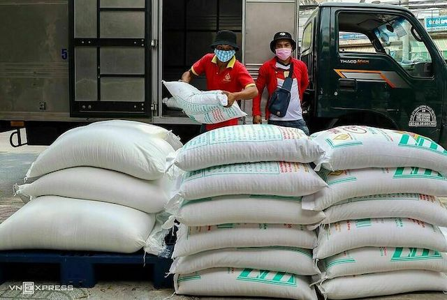 Bộ Tài chính đề nghị dừng xuất khẩu gạo tẻ