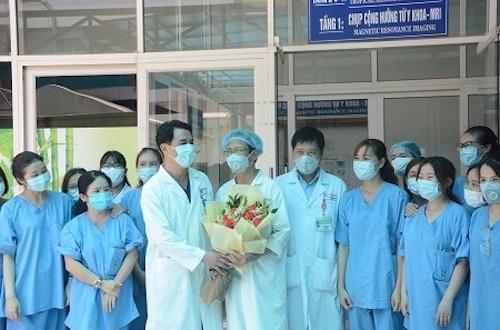 Ngày 10/4: Thêm 2 người nhiễm Covid-19, 16 người xuất viện