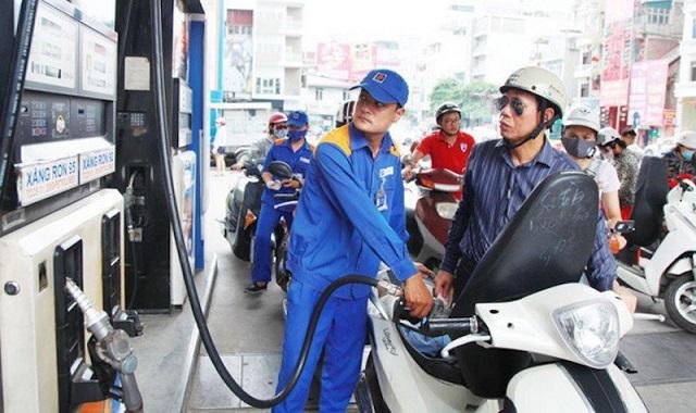 Bộ Công Thương đề xuất giảm thuế bảo vệ môi trường với xăng dầu