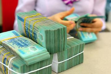 Bội chi ngân sách cả năm có thể lên hơn 5% GDP