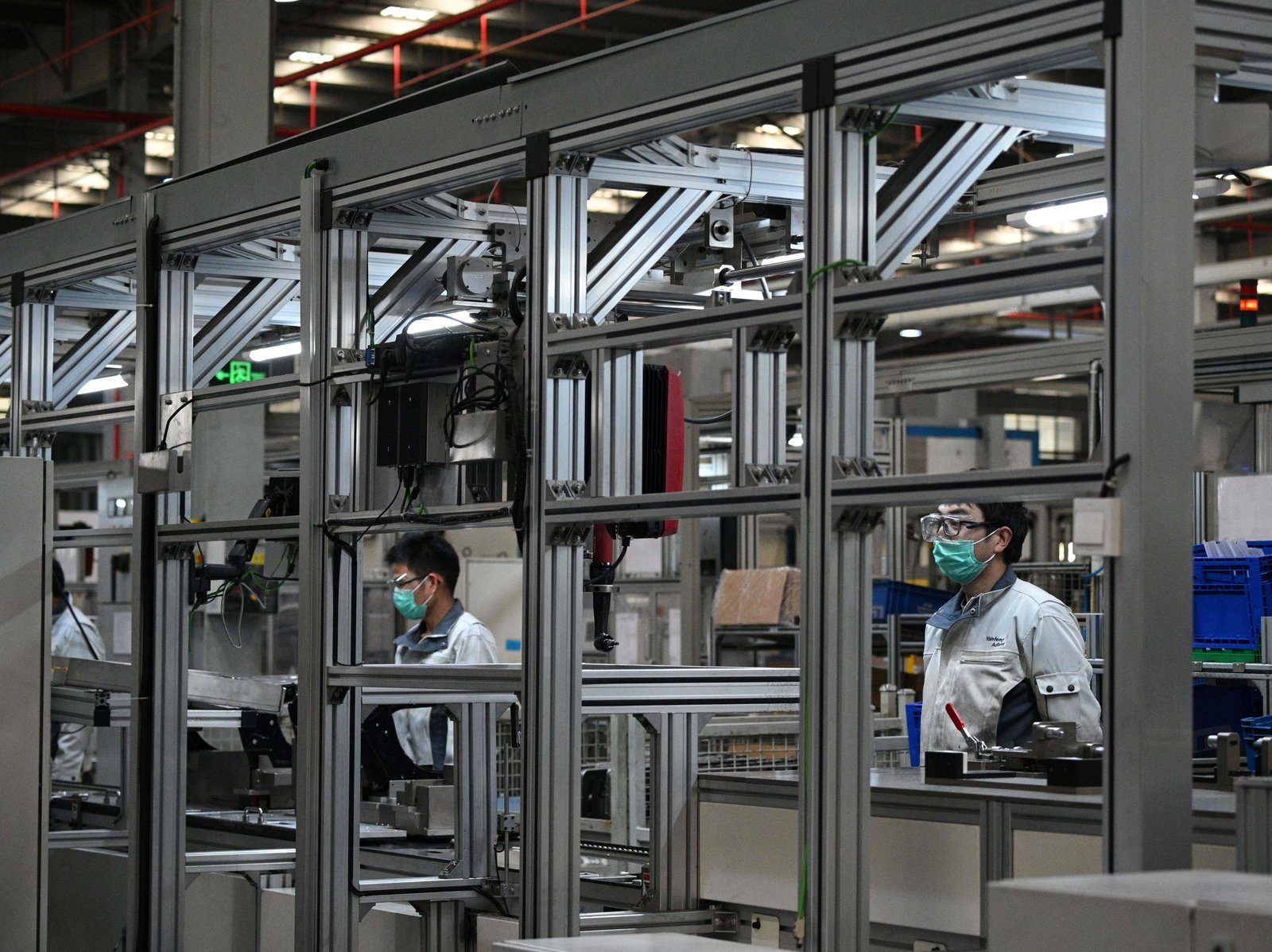 Trung Quốc đang mở cửa lại các nhà máy như thế nào?