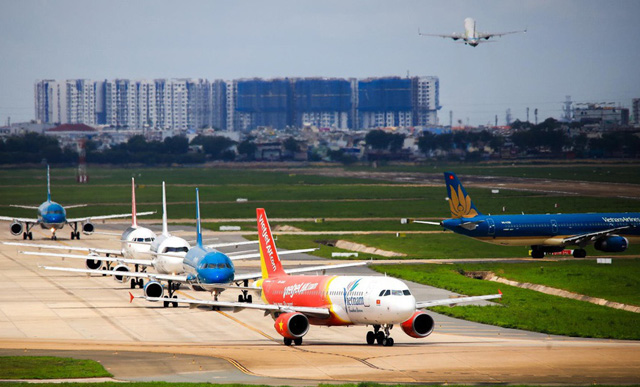 """Việc các hãng hàng không có được phép bay nội địa trở lại sau ngày 15/4 hay không vẫn còn là """"ẩn số""""."""