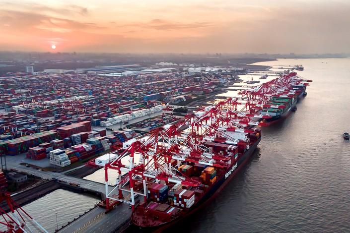Xuất nhập khẩu của Trung Quốc giảm mạnh trong quý I