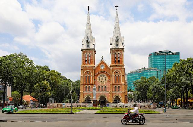 TP HCM, Hà Nội cách ly xã hội đến 22/4