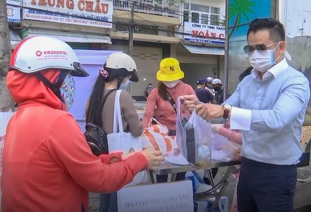 Đà Nẵng cho các cơ sở ăn uống được bán hàng online từ 0h ngày 16/4.