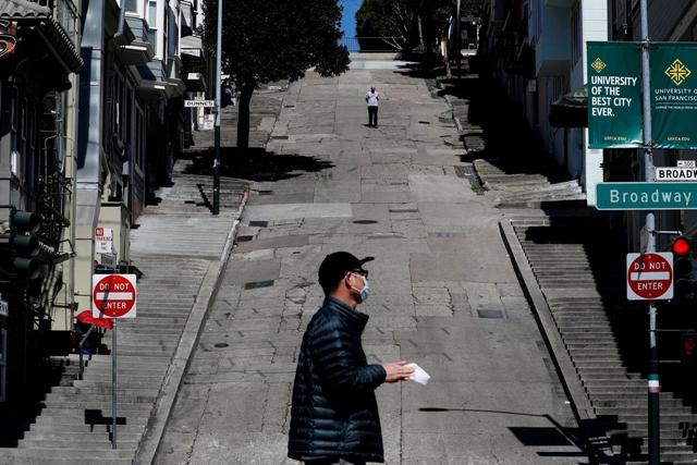Khoảng 16 triệu người nộp đơn xin trợ cấp thất nghiệp trong 3 tuần qua. Ảnh: Reuters.