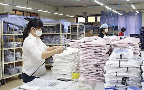 Trong thời gian tới, thuế nhập khẩu nguyên liệu dệt may sẽ giảm .