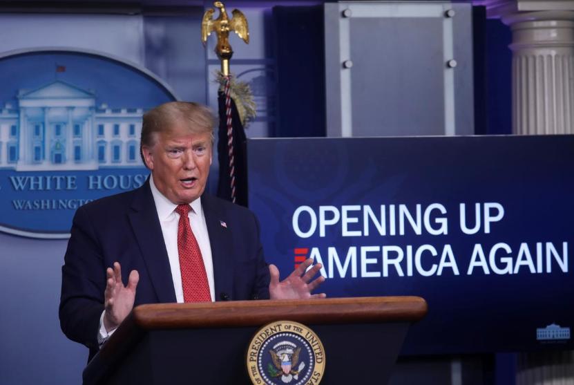 Trump công bố kế hoạch tái mở cửa kinh tế 3 giai đoạn