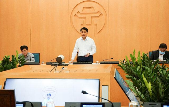Chủ tịch UBND thành phố Nguyễn Đức Chung phát biểu tại cuộc họp..