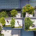 <p> Phần mái nhà được các kiến trúc sư tạo nên những không gian nhỏ, chia làm 6 khu vườn để mọi người có thể nghỉ ngơi, thư giãn, trò chuyện và tương tác với nhau.</p>