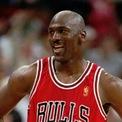<p> Với khối tài sản 1,85 tỷ USD gây dựng nhờ sự nghiệp bóng rổ, Michael Jordan là vận động viên kiếm nhiều tiền nhất thế giới mọi thời đại. Ngày nay, dù đã giải nghệ, ông vẫn kiếm được khoản thu nhập nhờ bóng rổ nhiều hơn cả những ngôi sao hàng đầu như LeBron James, Stephen Curry, hay Kevin Durant. Ảnh: <em>AP.</em></p>