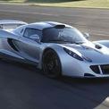 <p> <strong>3. Hennessey Venom GT (435,31 km/h)</strong><br /><br /> Trung tâm chuyên độ ôtô của Mỹ - Hennessey Performance Engineering - đã sử dụng mẫu Lotus Exige làm nền tảng để tạo nên Venom GT. Vào tháng 2/2014, siêu xe này đã thiết lập mức tốc độ tối đa 435,21 km/h tại Trung tâm Không gian Kenedy ở bang Florida. Tuy nhiên, do NASA không cho phép Hennessey chạy thêm một vòng theo chiều ngược lại nên xe không được ghi nhận trong kỷ lục Guiness chính thức (cần phải kiểm tra theo hai chiều).</p>