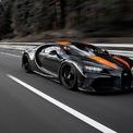 <p> <strong>1. Bugatti Chiron Super Sport 300+ (490,48 km/h)</strong><br /><br /> Được sản xuất giới hạn chỉ 30 chiếc như Bugatti Veyron, siêu xe Chiron Super Sport 300+ cũng đã thiết lập được kỷ lục tốc độ cho đến hiện tại với 490,48 km/h. Tay đua Andy Wallace đã giúp thực hiện màn chạy xe ấn tượng trên đường thử Ehra-Lessien. Với biệt danh Thor (Thần Sấm), Bugatti Chiron Super Sport 300+ được trang bị động cơ W16 với 4 bộ tăng áp, giúp sản sinh công suất tối đa 1.600 mã lực. Đồng thời, siêu xe này cũng được trang bị hộp số mới với tỷ lệ dài hơn, cản trước và sau cũng tối ưu hóa ở tốc độ cao.</p>