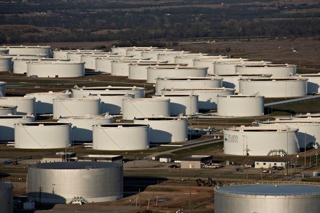 Các kho lưu trữ dầu thô tại Cushing, bang Oklahoma, cửa ngõ giao dầu WTI của Mỹ. Ảnh: Forbes