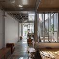 <p> Phòng ngủ ở tầng 1 được bố trí mở, phù hợp với người già hoặc khách.</p>