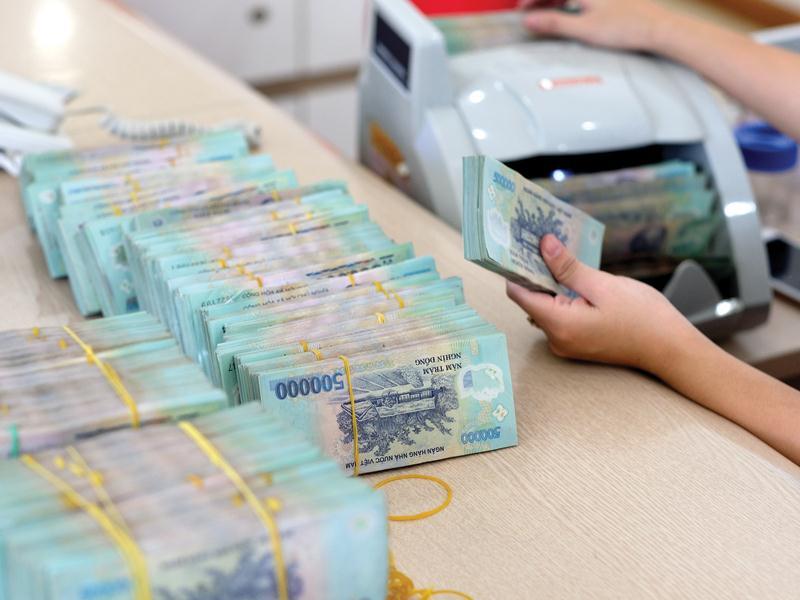 Nền kinh tế hấp thụ vốn yếu, dư nợ tín dụng tháng 4 có dấu hiệu giảm