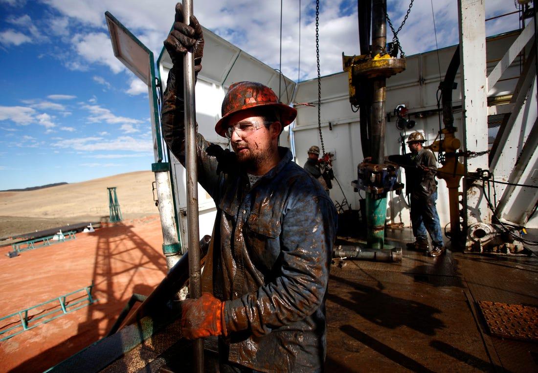 Hàng trăm công ty dầu tại Mỹ nguy cơ phá sản vì giá WTI dưới 0 USD/thùng