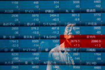 Đà lao dốc của giá dầu kéo chứng khoán châu Á giảm