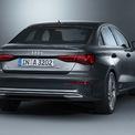 """<p class=""""Normal""""> Audi cho thấy chiến thuật khôn ngoan ở mặt hiệu suất xe, khi Audi A3 có 2 mẫu xăng. Mẫu thứ nhất A3 35 TFSI mang động cơ 4 xi-lanh tăng áp, công suất 150 mã lực. Mẫu thứ 2 sở hữu 3 xi-lanh, hiệu suất 115 mã lực. Tương tự, 2 mẫu xe động cơ diesel sẽ có cùng mã lực.</p>"""