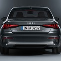 """<p class=""""Normal""""> Bên cạnh độ côn đẹp hơn, Audi A3 mới thiết kế đi kèm lưới tản nhiệt lớn hơn, đèn pha được thiết kế lại, đồng thời chắn bùn lớn hơn, mặc dù chiều dài cơ sở và khả năng hành lý vẫn không thay đổi.</p>"""