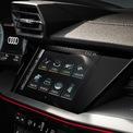 """<p class=""""Normal""""> Chiếc xe cũng đi kèm với buồng lái ảo Audi, màn hình cụm 10,25 inch có thể nâng cấp lên 12,3 inch, hoàn thiện với hệ thống thông tin giải trí MIB thế hệ thứ 3 mà thương hiệu này cho biết có tốc độ xử lý gấp 10 lần so với người tiền nhiệm.</p>"""