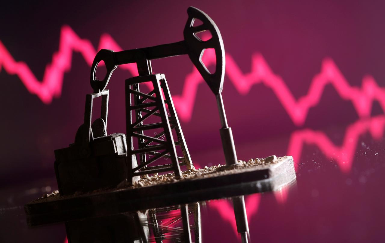 CNBC: Nghĩ giá dầu đã chạm đáy là đang 'bắt dao rơi, chơi với lửa'