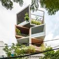 <p> Mặt tiền tòa nhà bao gồm một loạt các khối góc cạnh, mỗi khối được hoàn thành với thiết kế đặc biệt để thể hiện sự đa dạng và cá tính trong khi vẫn duy trì hình thức xây dựng nhất quán. Mỗi phòng, mỗi không gian riêng trong tòa nhà lại có một ý nghĩa khác nhau.</p>