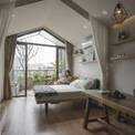 <p> Forest Lodge có nội thất bằng gỗ và một khu vườn giống như khu rừng rộng lớn với nhiều loại cây trồng, đồ nội thất ngoài trời.</p>