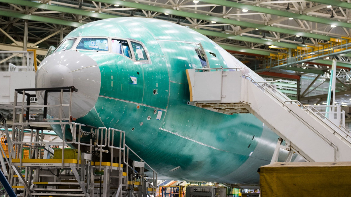 Boeing, Airbus 'hạ cánh cứng' vì virus corona